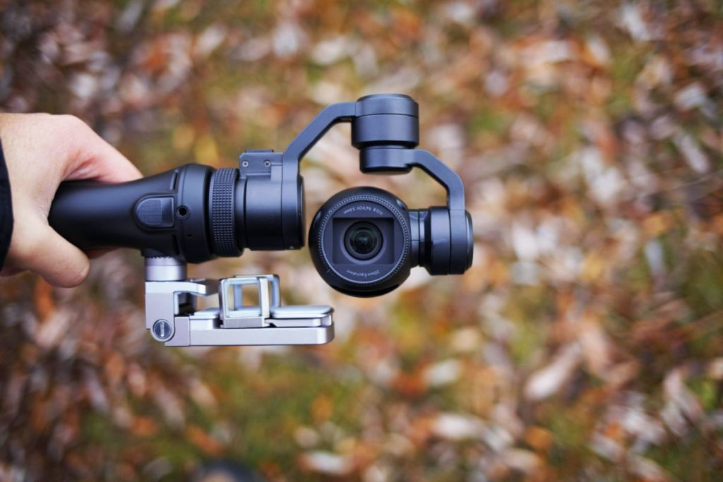 ジンバル / vlog を始めてみよう! おすすめのカメラ4選& 編集アプリ3選をご紹介!