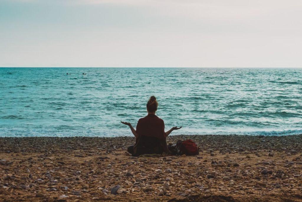 ビジネスにも役立つ。マインドフルネス瞑想の効果やアプリの紹介!