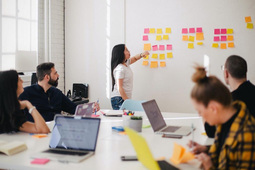 組織でKPTを行う場合の進め方、注意点、ツールを解説!