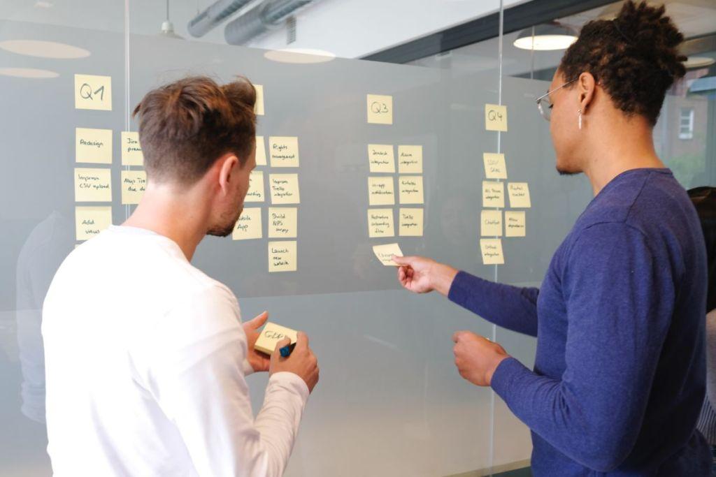 マネジメントとはそもそも何か?具体的にやるべきことを解説!